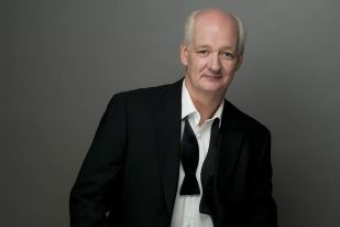 Colin Mochrie headshot